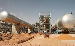 Los drones rebeldes golpean el principal oleoducto saudí