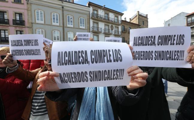 Los sindicatos del Ayuntamiento desconvocan la protesta de mañana