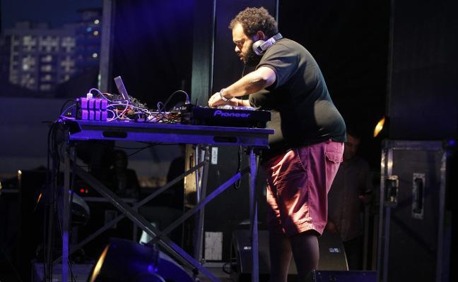 Carlos Jean encabeza los conciertos del Salinas Longboard Festival