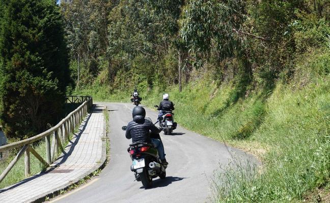 La carretera del Faro, en Ribadesella, reabre al tráfico tras cien días de cierre