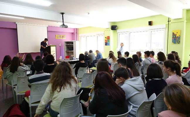 Olaya Fernández y Antonio Cofiño ganan el concurso de lectura en Ribadesella
