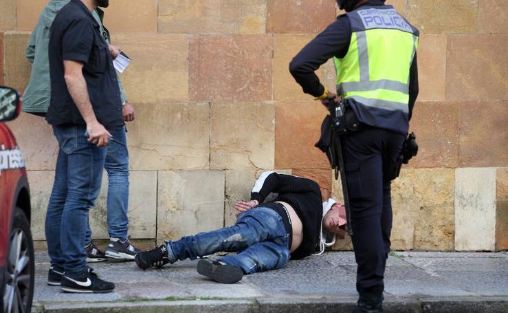 Detenidos dos jóvenes en pleno centro de Oviedo