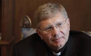 Fallece a los 62 años el obispo asturiano Juan Antonio Menéndez