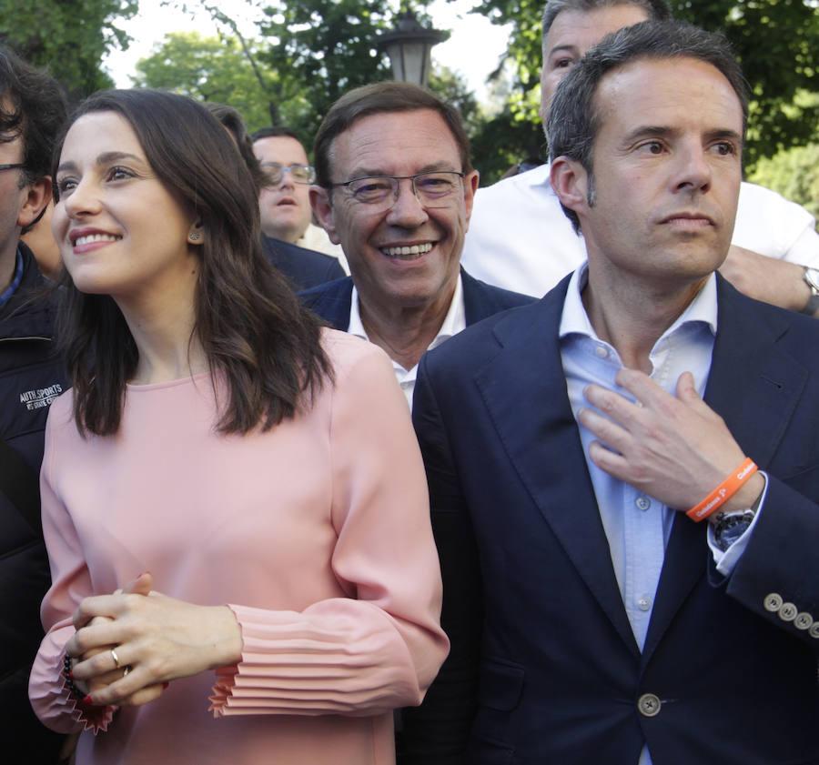Inés Arrimadas reúne a cientos de simpatizantes en Oviedo