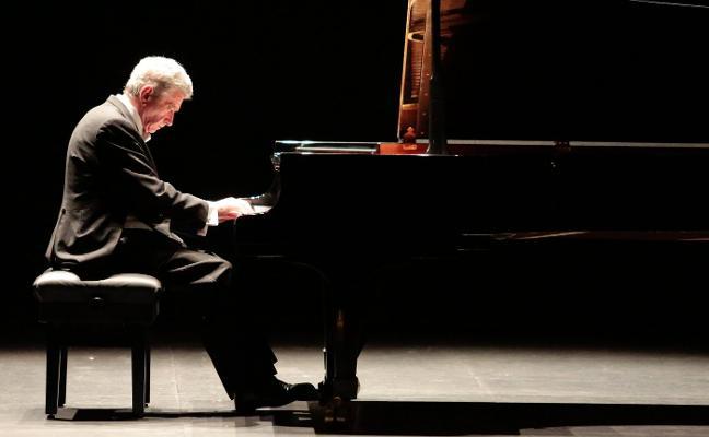 Cabezón, Bach y Schubert reviven en las manos de Baciero