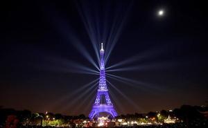 La Torre Eiffel celebra sus 130 años