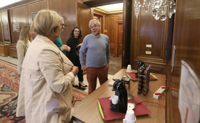 Agustín Sánchez alegra el último Pleno ordinario