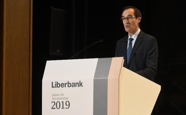 Ganar solvencia y rentabilidad, principales escollos para que Liberbank siga en solitario