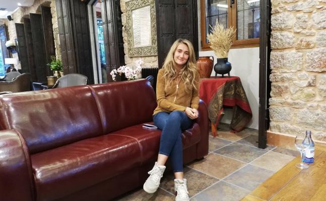 Dina Khreino pone voz a la atracción por las cumbres