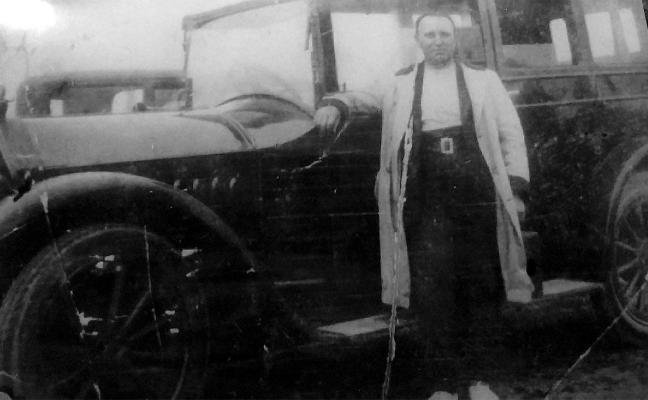 El primer taxi de la ciudad salvó la vida a su conductor