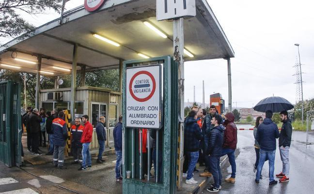 Arcelor se compromete a hacer indefinidos a más de 250 eventuales en Asturias