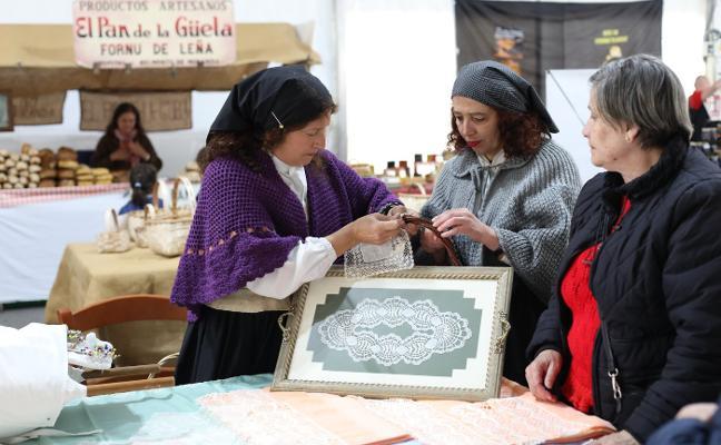 San Isidro lleva la huerta y la música a Piedras Blancas