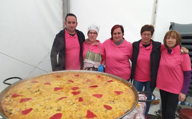Espicha popular con paella en Los Campos