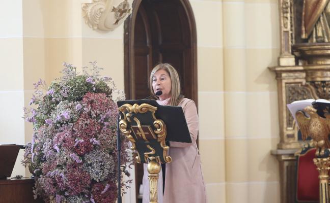 El pregón de María Teresa Álvarez, prolegómeno del Carmen en Salinas