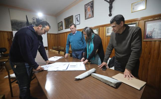 «Avilés tiene mucha suerte, porque esta iglesia ronda lo catedralicio»
