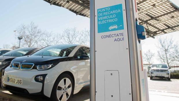 Los coches eléctricos e híbridos tendrán que hacer ruido a partir de 2021
