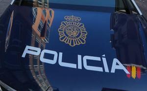 Detenido en Gijón por el robo con violencia de un bolso colocado en el asiento del copilito