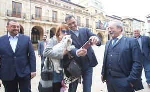 Pedro Sánchez refuerza la campaña de los candidatos socialistas en Asturias