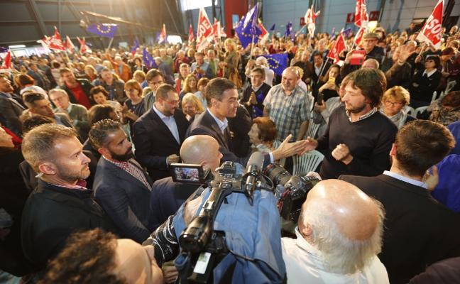 Sánchez pone sus avances sociales como aval para un triunfo de Barbón en Asturias
