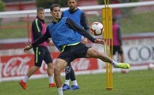 «Me gustaría quedarme en el Sporting», asegura Álex Alegría