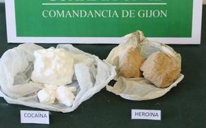 Detienen a dos vecinos de Oviedo de 62 y 53 años por tráfico de drogas