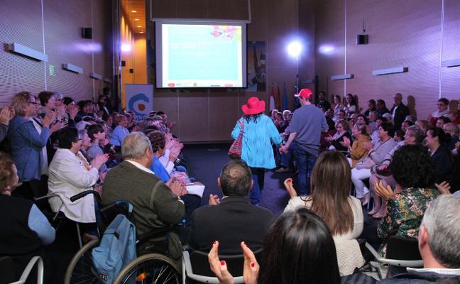 Doce personas desfilan por la inclusión sobre la pasarela de Candás