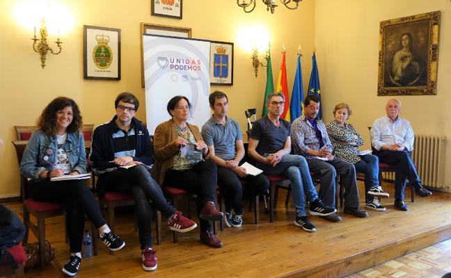 Unidas Podemos debate sobre el medio rural en Cangas de Onís