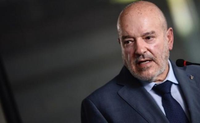 El presidente del Tenerife pide «calma» y parte de la afición, su dimisión
