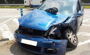 Tres heridos leves en un accidente en el cruce del Centro Médico