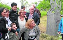 Homenaje en Moreda al exciclista Alfonso Calvo