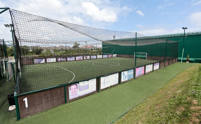 El Ayuntamiento rescindirá la concesión de las pistas de fútbol y pádel de Perchera-La Braña