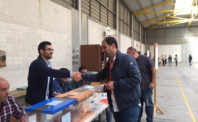 Elecciones municipales 26M: el alcalde de Pravia amplía la mayoría absoluta y la de Muros la mantiene