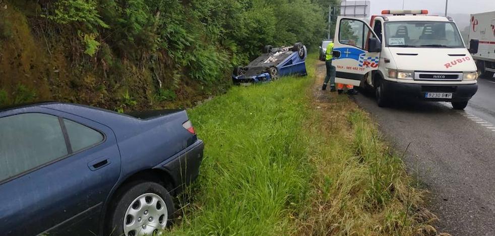 Dos heridos en un accidente en el corredor del Nalón