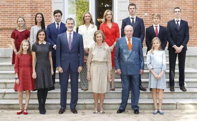 El rey Juan Carlos anuncia su retirada de los actos institucionales