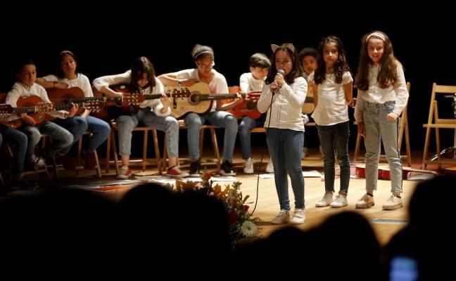 Espectáculo de los alumnos de Laviada