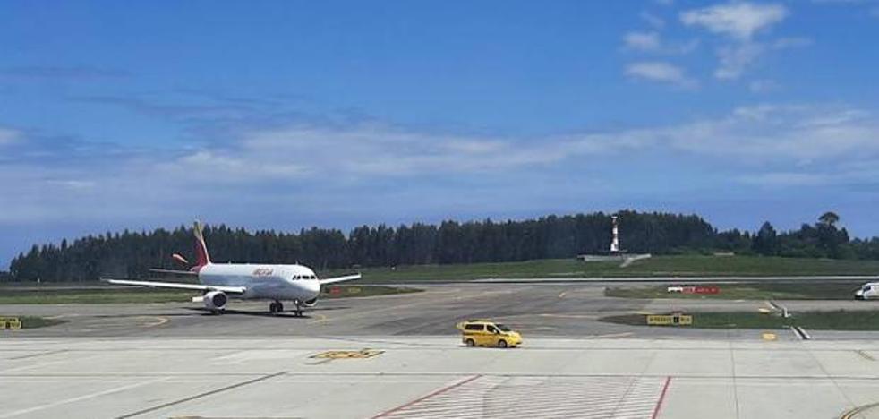 La Unión de Consumidores (UCE) denuncia a Iberia ante Seguridad Aérea por las averías de los flaps en los vuelos a Asturias