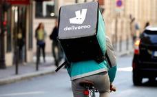 «Somos asalariados no reconocidos», defienden los 'riders' de Deliveroo