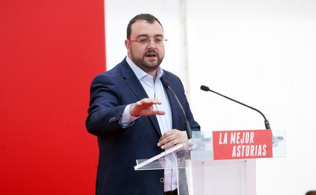 El PSOE se centra en los ayuntamientos y dice no tener «prisa» para pactos regionales