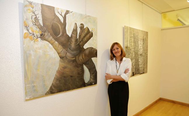 La tía de la Reina Letizia muestra su 'catarsis' artística en Ribadesella