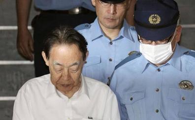Hideaki Kumazawa, un exembajador de Japón, mata a puñaladas a su hijo para evitar que «dañara a otros»