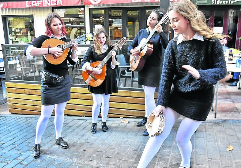 La Universidad de Oviedo tendrá tuna femenina