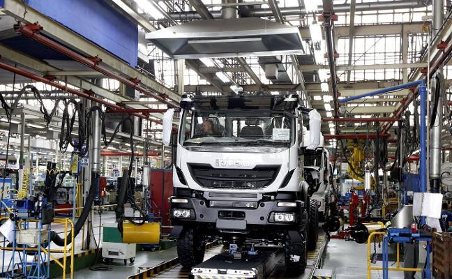 Más de 2.000 transportistas de Asturias denuncian al cártel de fabricantes de camiones