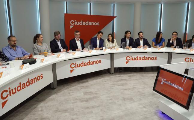 Albert Rivera da luz verde a Ciudadanos para negociar acuerdos con el PSOE en Asturias