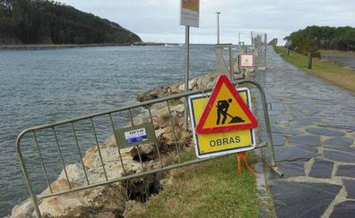 Infraestructuras pedirá una segunda opinión para la reconstrucción de la escollera de Navia