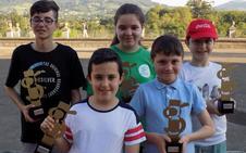 El Ateneo Obrero reunió un centenar de jóvenes en el Torneo de ajedrez