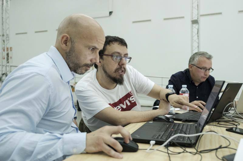 Cinco equipos para un Hackathon