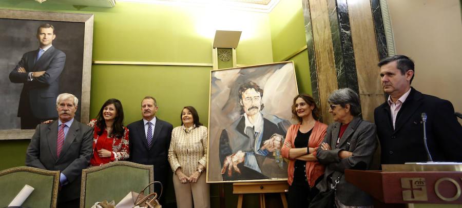 Oviedo entrega la distinción de Hijo Predilecto a título póstumo a Juan Cueto