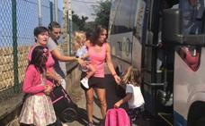 Educación deja sin transporte a una niña de 4 años, pero se lo mantiene a su hermana de 7 en Langreo