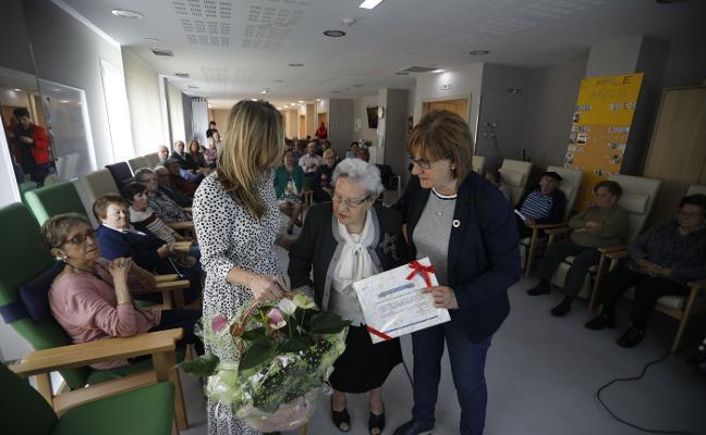 Juliana Rodríguez, autora con premio a los 84 años