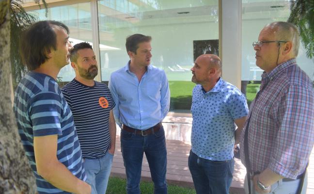Las dos empresas que pujan por Alcoa garantizan el pleno empleo en la planta de Avilés